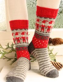 вязанные носки с узором