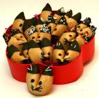 печенье можно выпекать сразу с пожеланиями