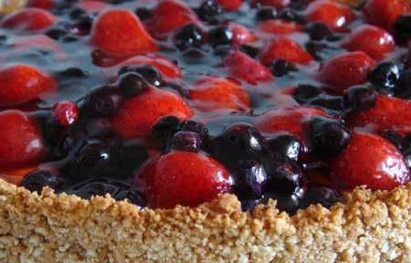 невероятно вкусный домашний пирог с ягодами из песочного теста