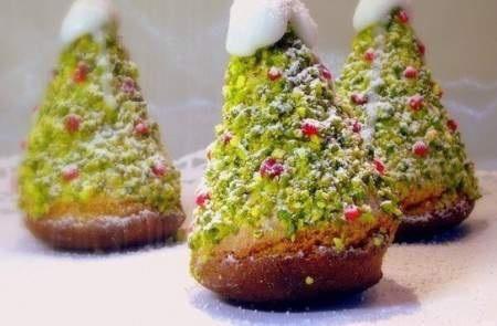 Вкусное, ароматное пирожное станет настоящим праздничным украшением