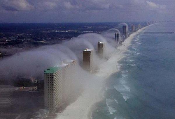 Невероятное природное явление создает ощущение гигантской волны