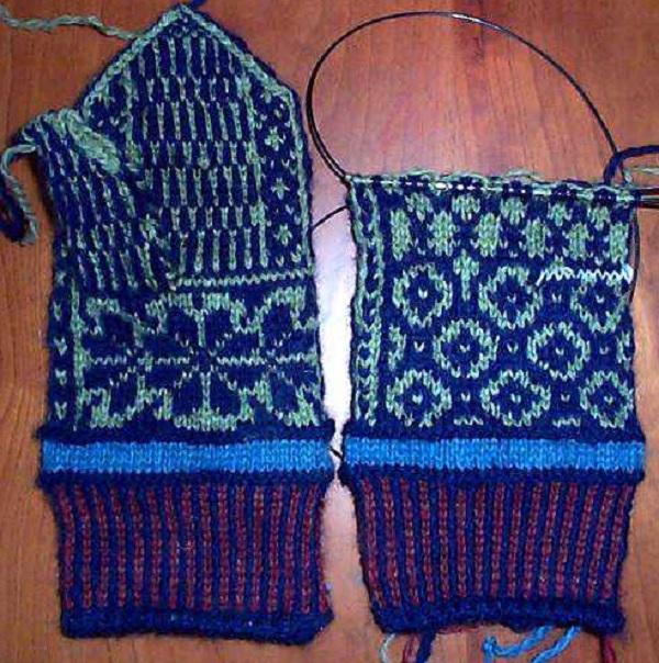 варежки с узором, ручное многоцветное вязание спицами