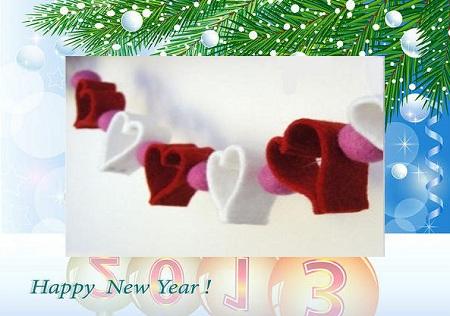 делаем новогоднюю гирлянду сердечками из кусочков фетра